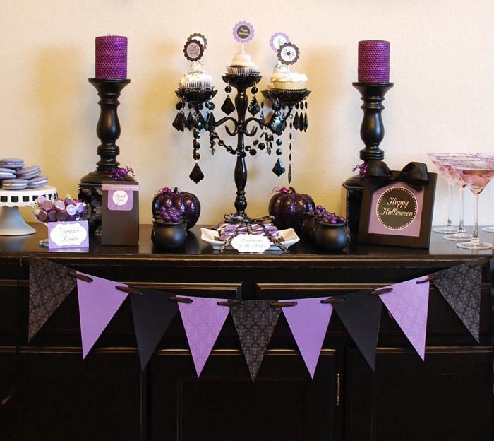 anna and blue paperie haute halloween dessert table Halloweekend Countdown: Haute Halloween Guest Feature