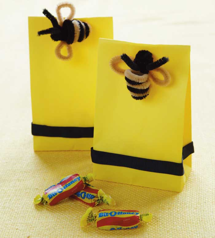 5amyatlasgoldengiftbags The Buzz about Honey, I Love You