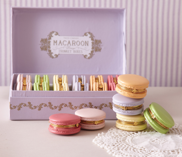 8866 A Great Finds: Macaroon Boxes