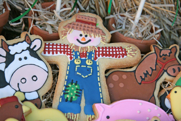 Farmyard Dessert Table Scarecrow and Cow cookies