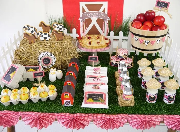 Barnyard Birthday Desserts Table2 Barnyard Birthday Guest Dessert Feature