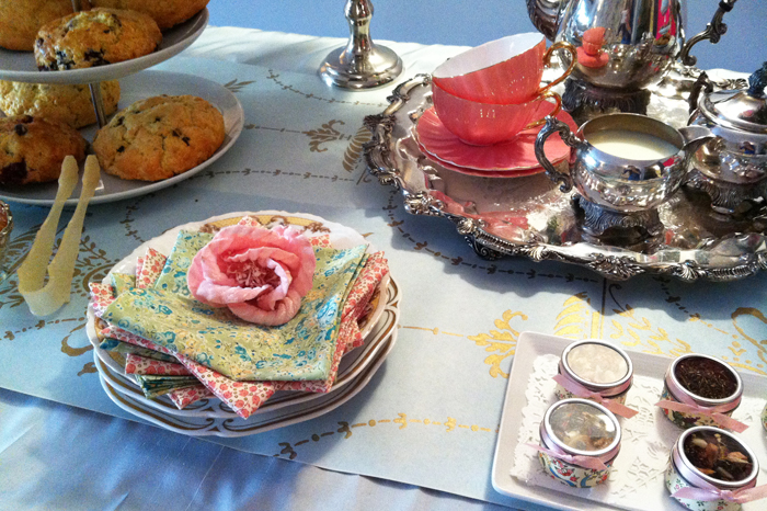 mismatchedplatesandnapkins Tips for Throwing a Downton Abbey Premiere Party {+ Today Show and E! News Videos}