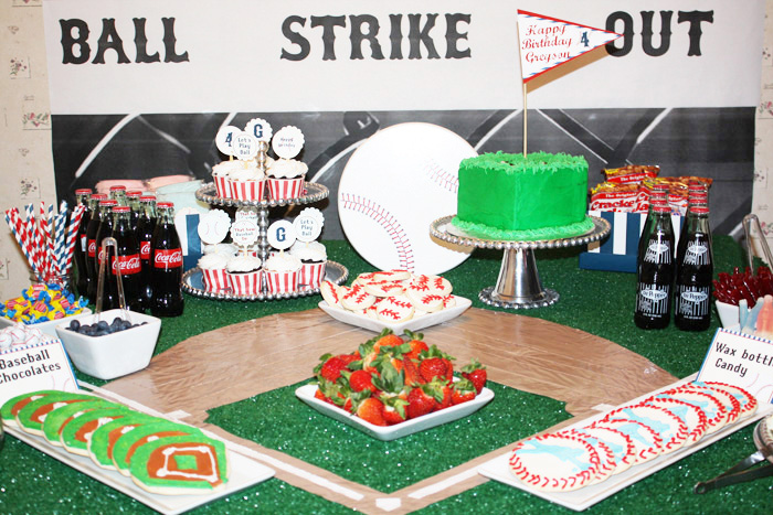 Basebal Party for Boys1 Vintage Baseball Guest Dessert Feature