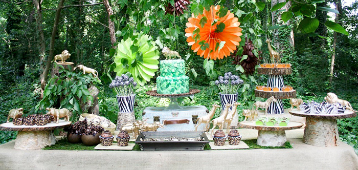 Safari Dessert Table1 Safari Party Guest Dessert Feature