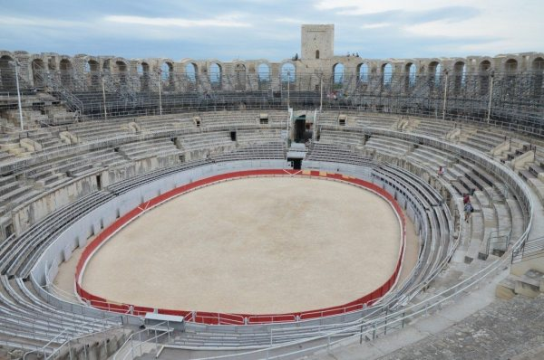 The Arles Amphitheatre, built in 90 AD © Carole Raddato