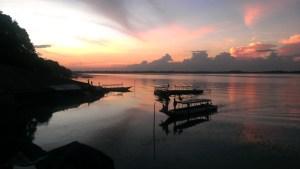 カンボジア シェムリアップ近郊 西バライ湖  カンボジアローカルのリゾート