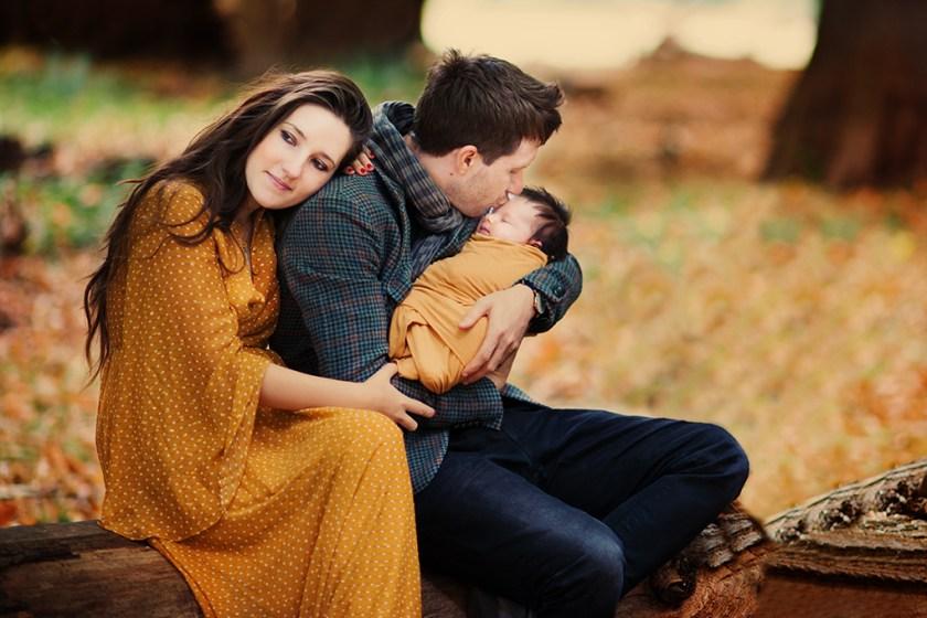 newborn-photographer-london-mum-family-motherhood-love