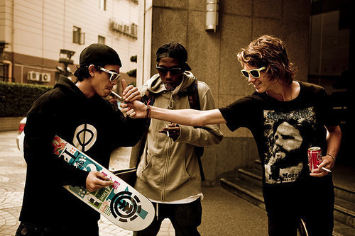 boys-cigarettes-coke-friends-glasses-skate-Favim.com-73684