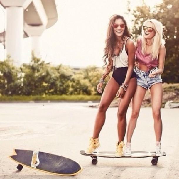 cwn2x5-l-610x610-blouse-bodysuit-shorts-cut+shorts-skater-skateboard-fashion