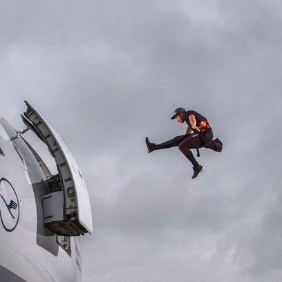 forerunner-jason-paul-makes-a-huge-leap-into-an-airliner-at-munich-airport