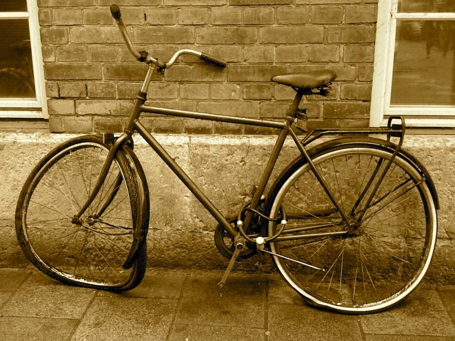 On ne pense pas bien loin avec un vélo pourri