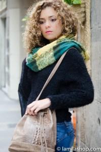 Yellow and Green Scarf, Wool Black Top, Leather Bag | Bufanda Verde y Amarilla, Jersey de Lana Negro, Bolso de Piel Fall-Winter 2015-16 | Otoño-Invierno 2015-16