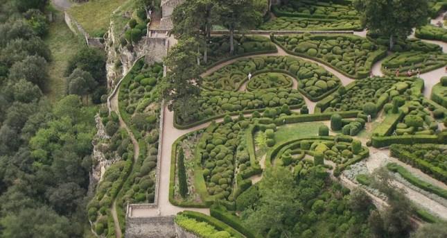 Franta, gradinile de la Marqueyssac; sursa foto - pinterest, autor necunoscut