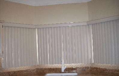 Gap in vertical blinds
