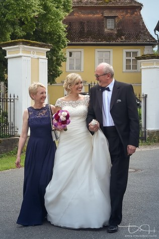 Hochzeitsfotograf Schloss Burgellern, Heiraten auf dem Schloss in Burgellern, kirchliche Trauung Burgellern, Schesslitz