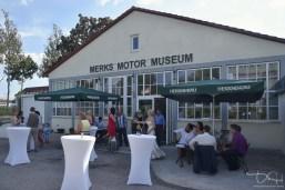 Hochzeitsfeier im Merks Automuseum, der Hochzeitsfotograf im Museum