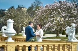 Modernes Brautshooting mit dem Hochzeits Fotograf aus Nuernberg. Rokokogarten in Veitshoechheim.