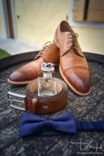 Getting ready auch fuer den Braeutigam. Der Hochzeits Fotograf macht die Fotos im Agriturismo Maso Carpene!