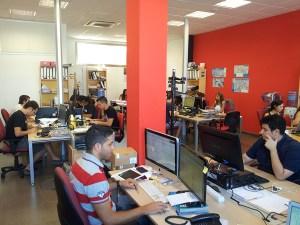 Foto de parte del Equipo de BuscoUnChollo.com, en nuestras oficinas de Tarragona