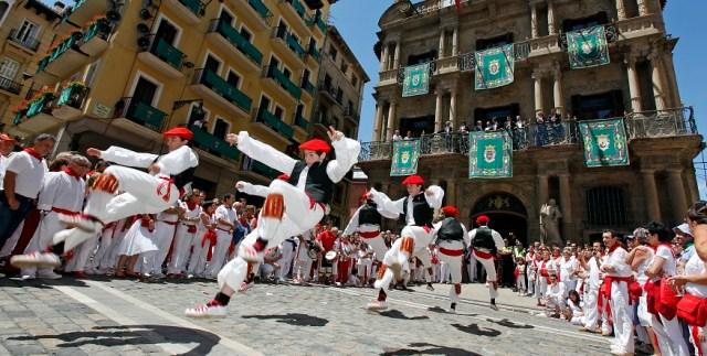 Bailar San Fermines