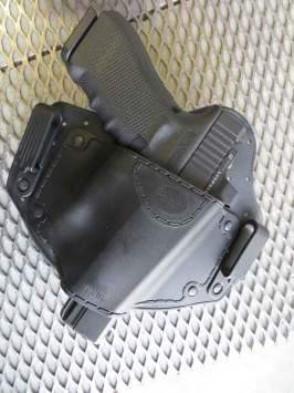 Fobus IWBL holster with Glock 17 MOS