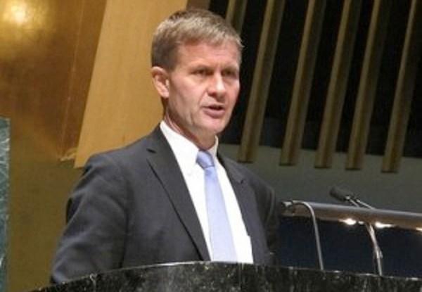 Erik Solheim berpidato di suatu pertemuan PBB. Foto oleh Emma Lydersen/ Norway UN Mission.