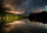 Lago-Salvador-_Parque-Nacional-del-Manu-Juan-Carlos-1024x682