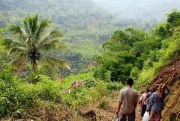 Migrasi skala besar di pedesaan menimbulkan perbedaaan komposisi  masyarakat desa. Yayan Indriatmoko/CIFOR