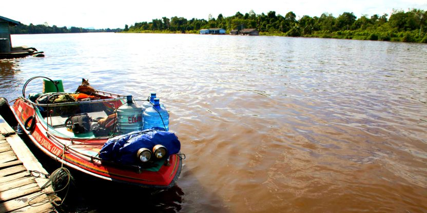 A view of the Kapuas Hulu river hints at the complex reality of tropical forest landscapes. Photo: Lucy McHugh/CIFOR