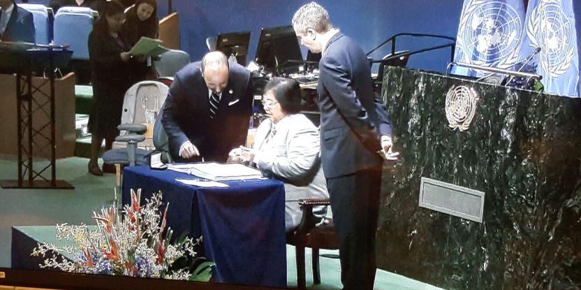 Penandatanganan Perjanjian Paris oleh lebih dari 170 negara pada 22 April merupakan langkah penting ke depan.