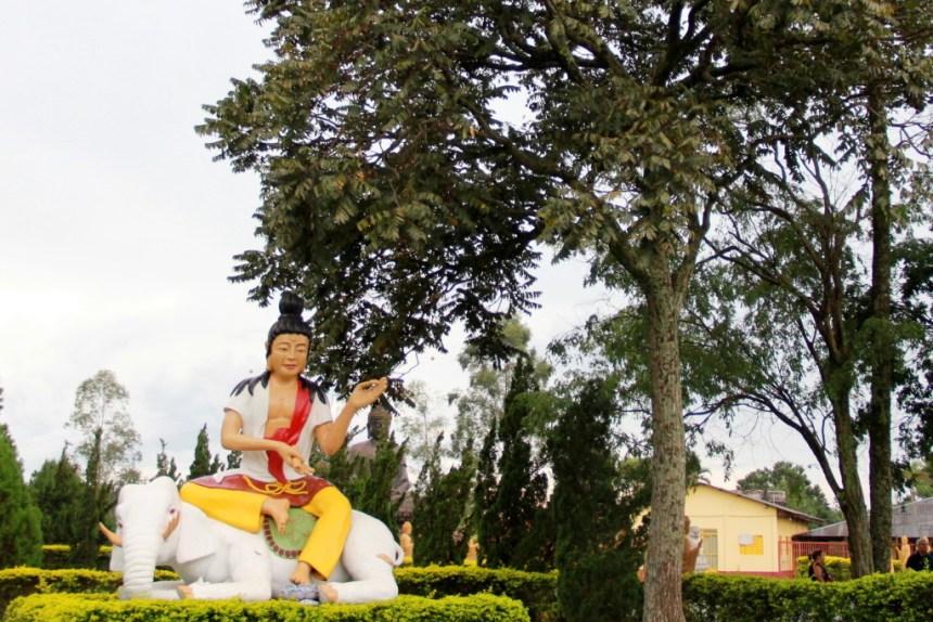 Templo Budista em Foz do Iguaçu com o City Tour de Foz