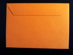 enveloppe orange de format 229 X 162