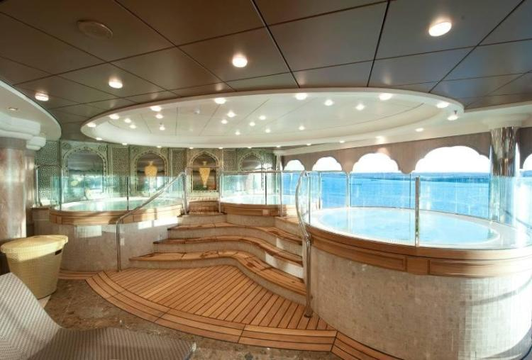 Jacuzzi with a view on MSC Magnifica