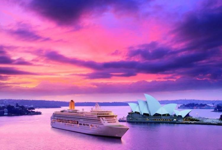 P&O Ship by Sydney Opera House