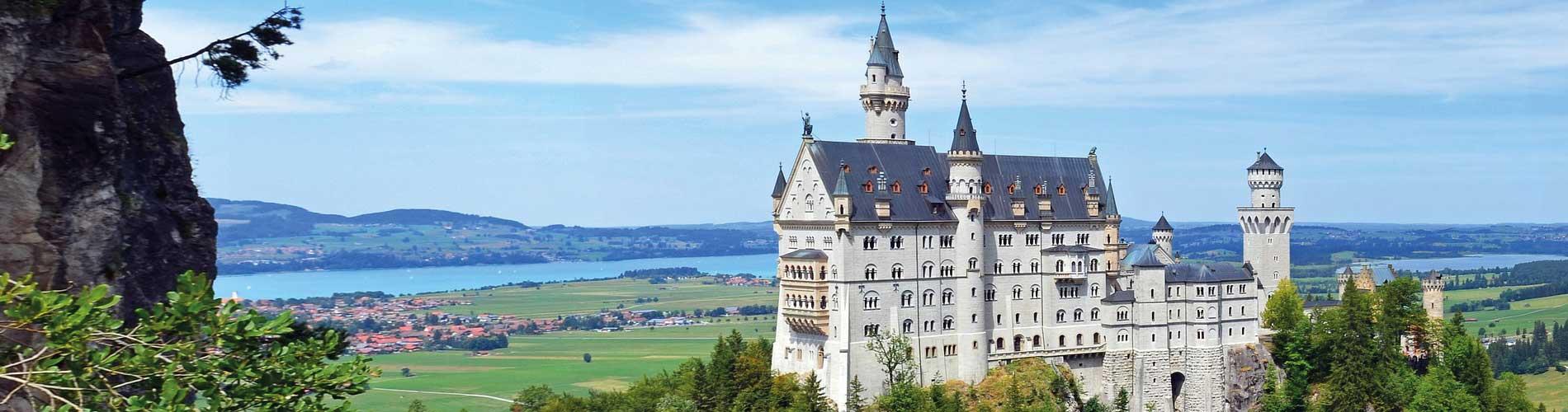 Blog_TopCastlesGermany_Neuschwanstein-Castle_1900x500