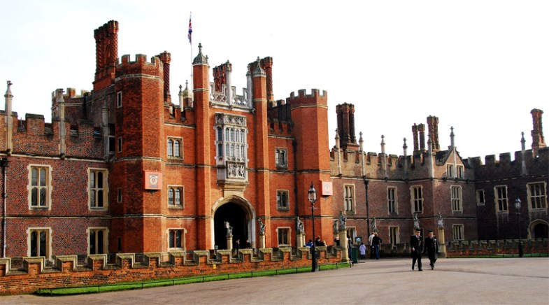 hampton courte palace