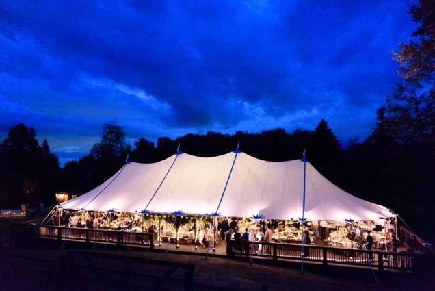 64Flora-Nova-Design-gorgeous-NW-tent-wedding