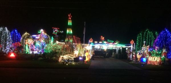 Marino Pazzini Christmas Illuminations Holiday Light Displays In Northern NJ