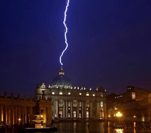 lightening strikes St Peter's