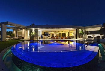 Minecraft Creator Outbids Jay-Z & Beyonce for $70 Million Beverly Hills Mansion