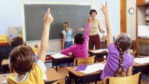 school_classroom_handsraised-thumb-600x340-18943