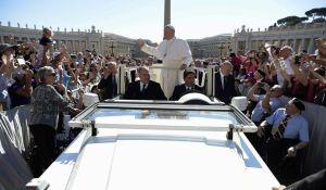 5_222017_vatican-pope-2-38201_c0-203-4928-3076_s885x516