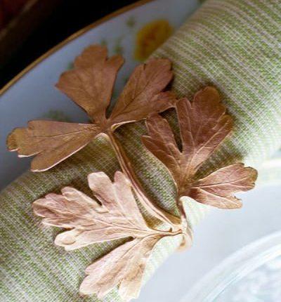 jolie-serviette-feuilles