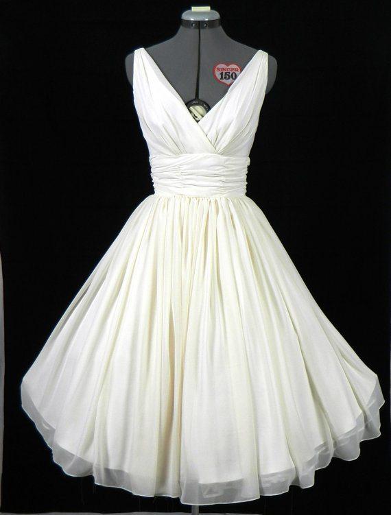 Pour choisir une robe: Robe blanche vintage pas cher