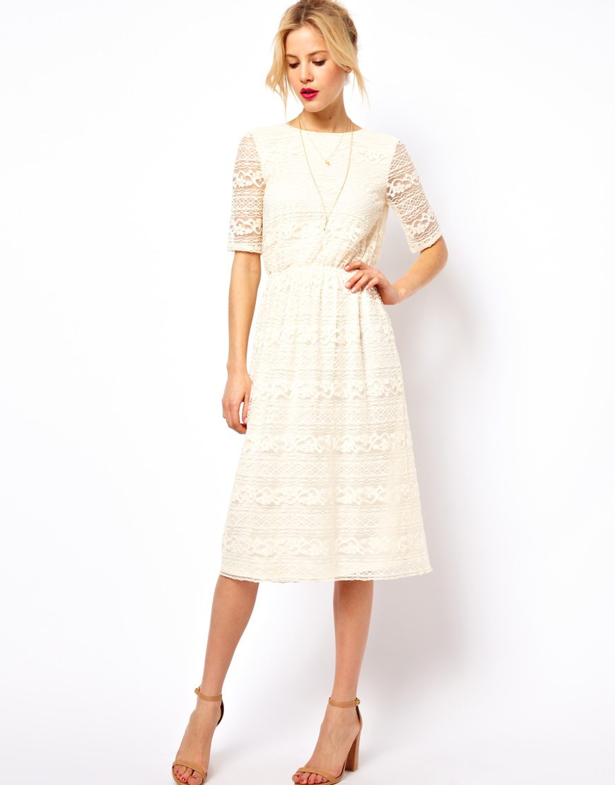 la robe du dimanche robe blanche en dentelle dos nu happy chantilly. Black Bedroom Furniture Sets. Home Design Ideas