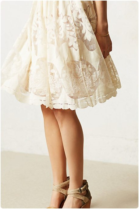 jolie robe blanche dentelle et dos nu happy chantilly. Black Bedroom Furniture Sets. Home Design Ideas