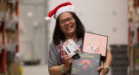 What Hitfar's Employees Buy for Christmas – Rissa's Warehouse Insight