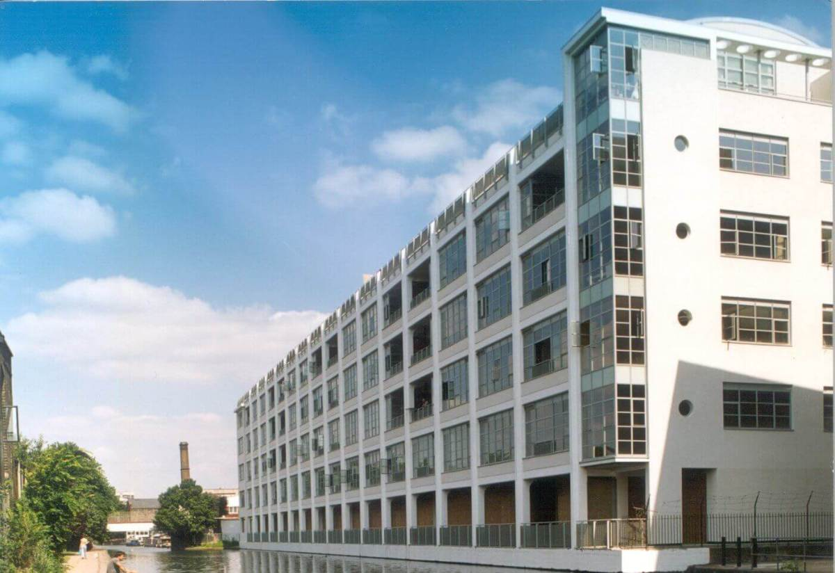 1 Bedroom Apartment in Canal Building with Regent's Canal Views, Shepherdess Walk, Islington, Shoreditch, N1