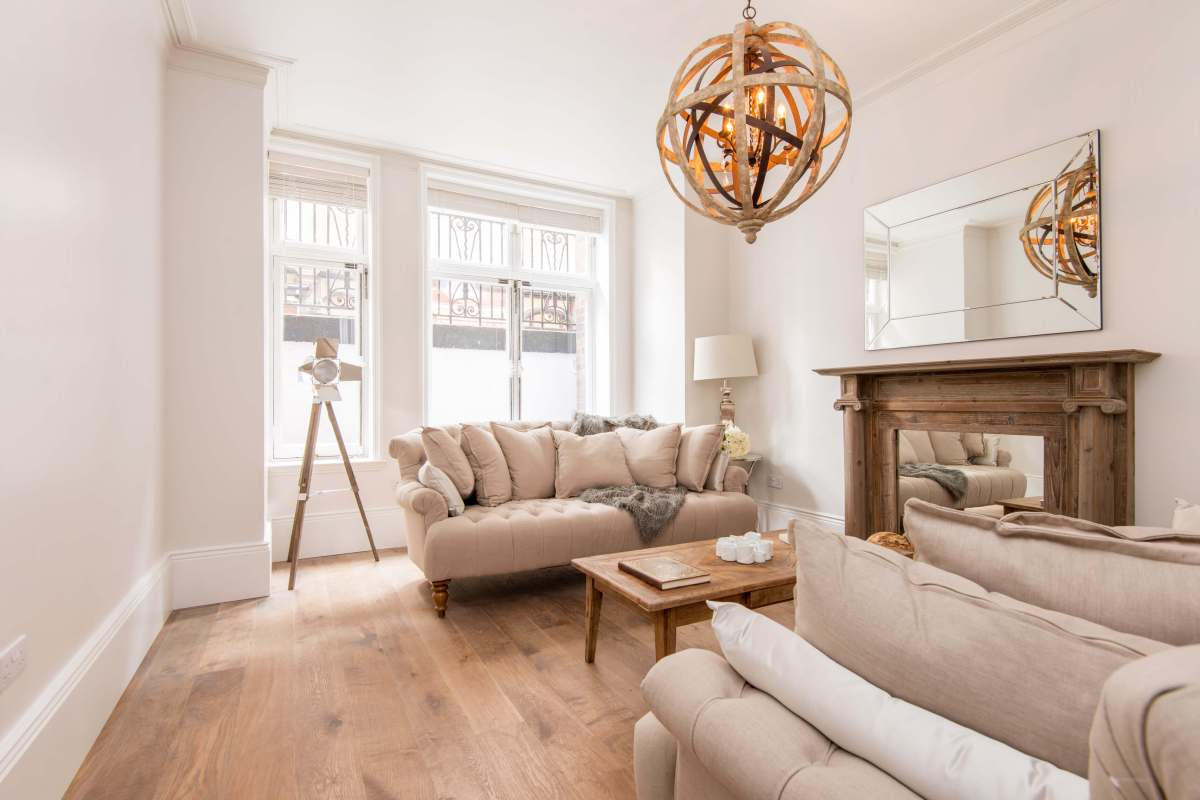 Beautifully Restored 4 Bedroom Apartment in Gordon Mansions, Torrington Place, Bloomsbury, WC1