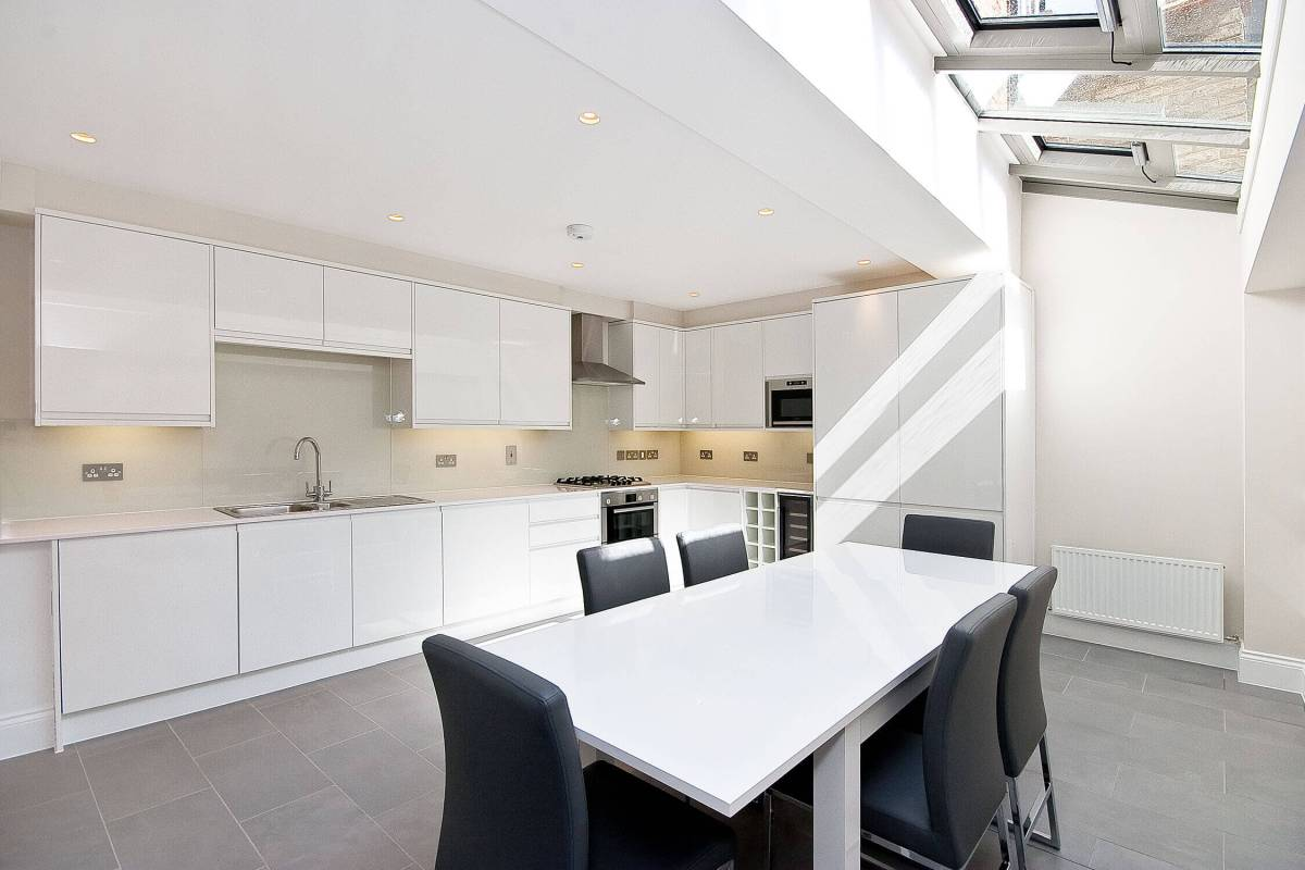 Newly Restored 3 Bedroom Georgian House in Shoreditch, Holywell Road